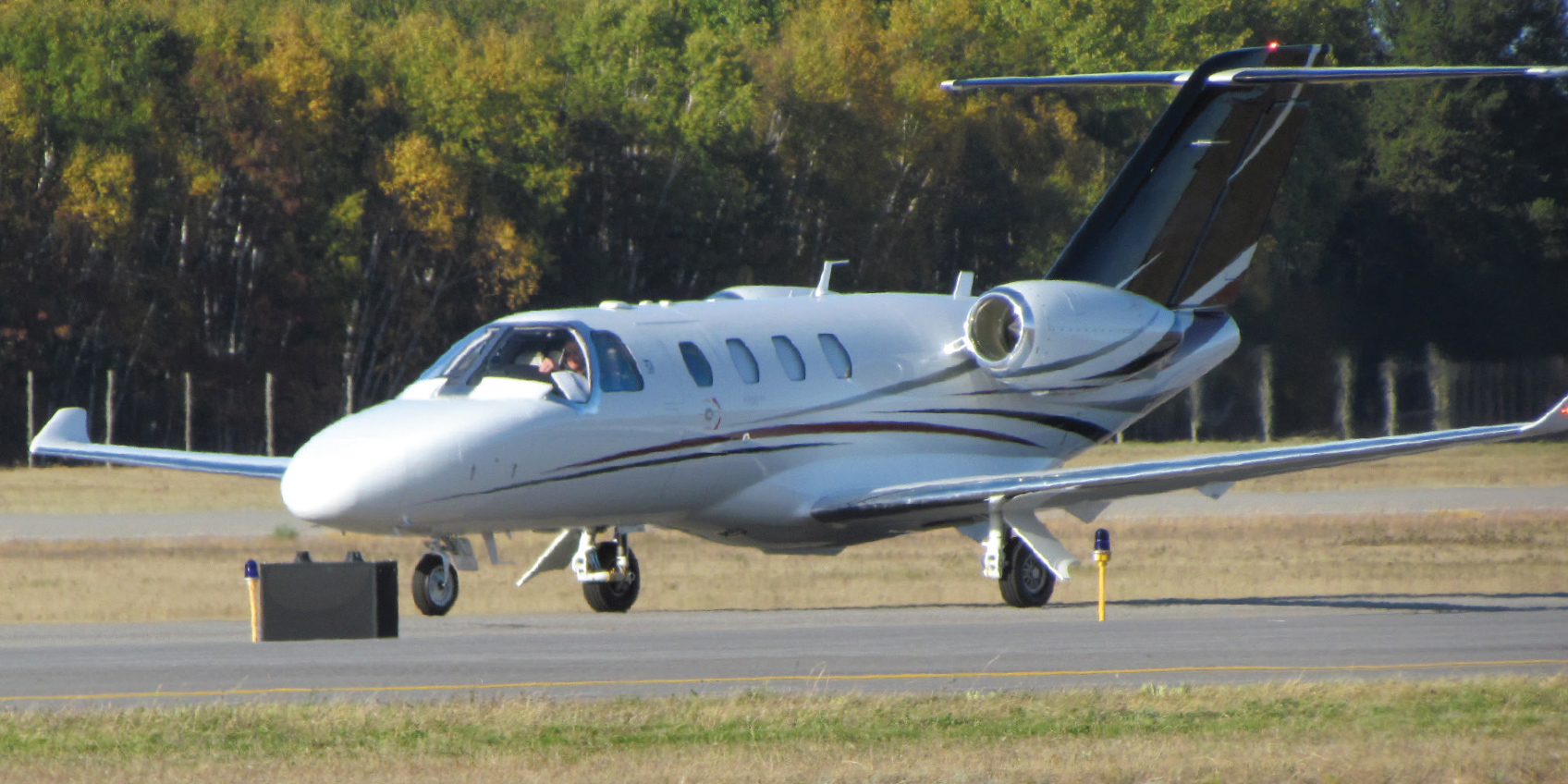 Citation M2 taxiing
