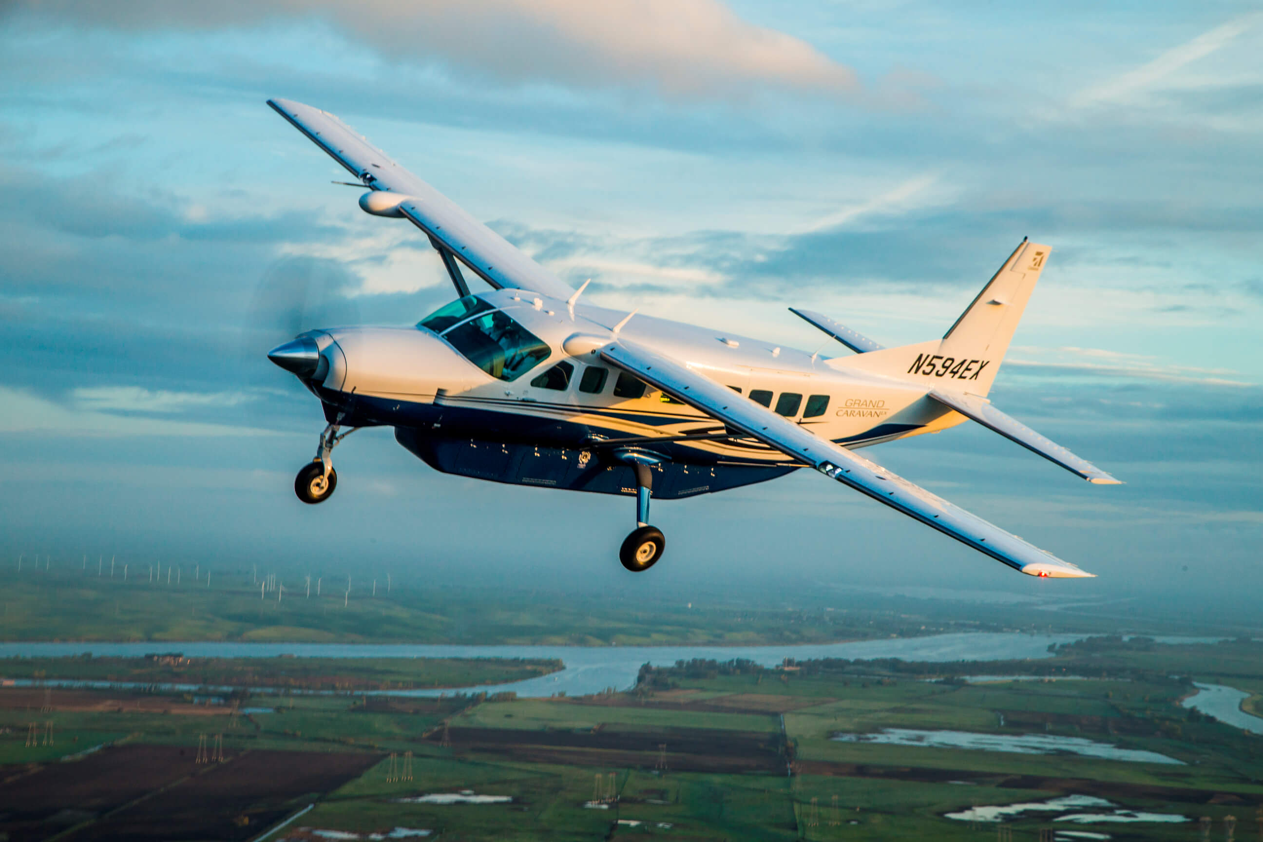 Textron Aviation begins delivery of 10 Cessna Grand Caravan EX turboprops  to support charter service in Botswana