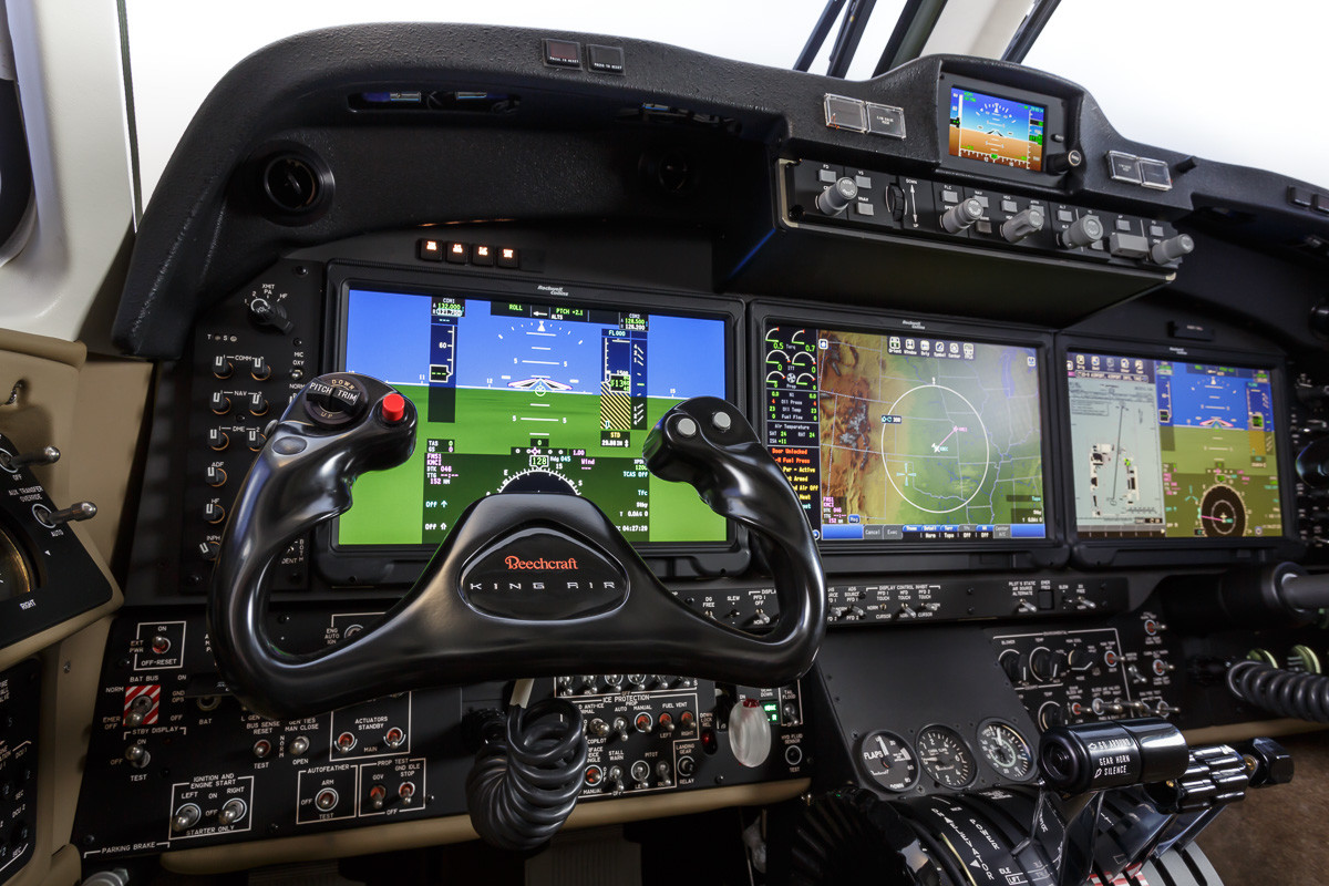 Beechcraft King Air 350i Rolls Out Improved Situational