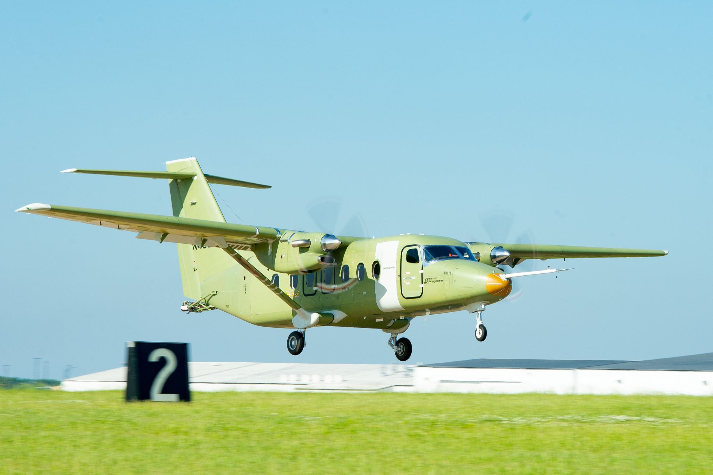 Cessna SkyCourier 408 Cessna-skycourier-takeoff-1