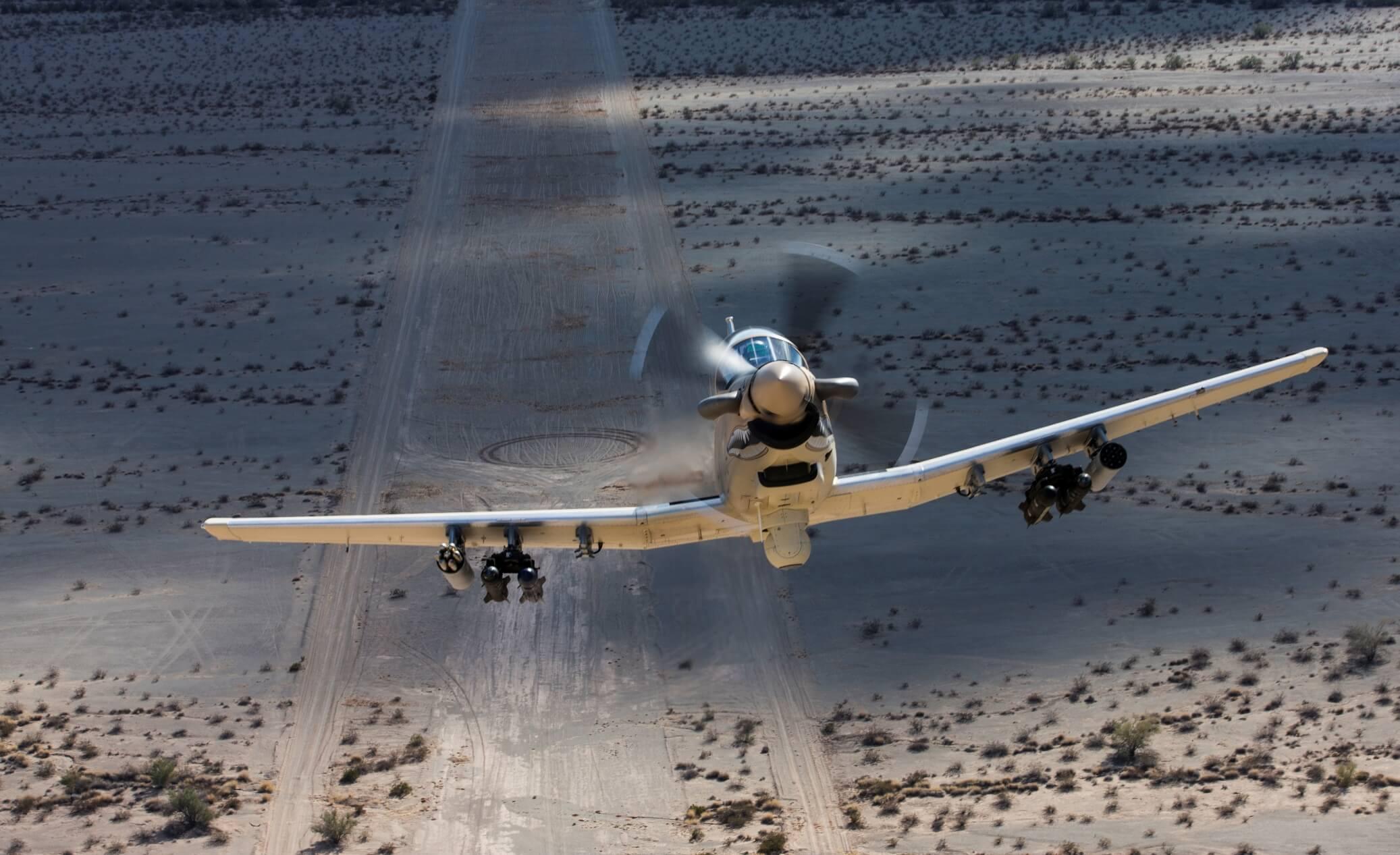 Лесни борбени авиони - Пропелери - Page 2 At-6_newsroom_6