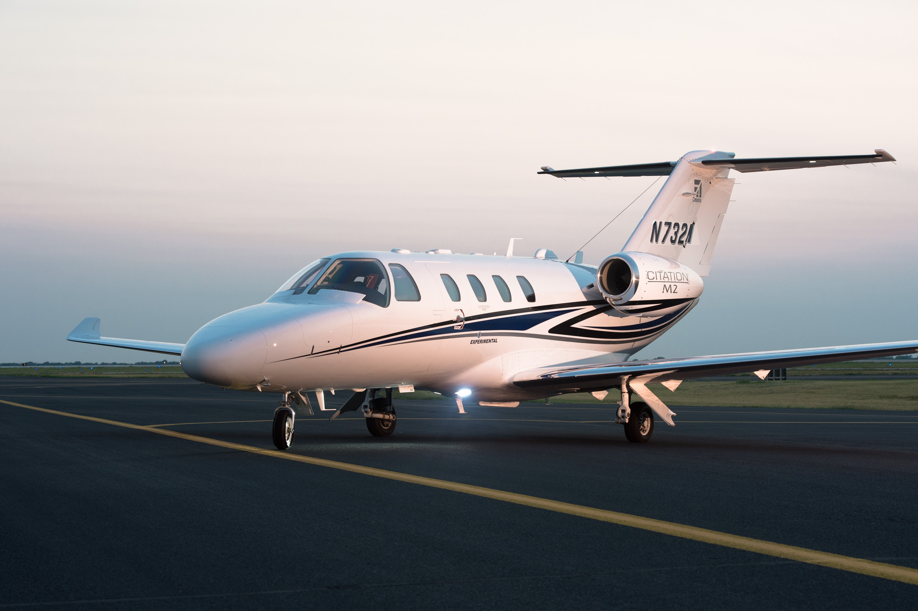 http://txtav.com/~/media/textron-aviation/images/news-events/media-gallery/jets/citation-m2/17-0036_hires.ashx